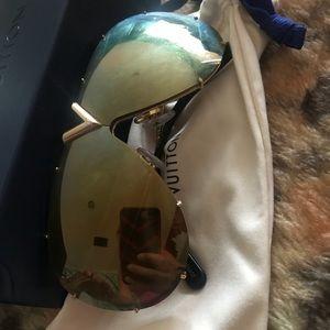 Other - Louis Vuitton sunglasses 🕶